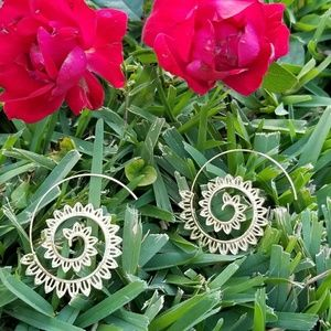 Accessories - Gold spiral earrings